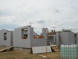 Thermo-Block falak már állnak